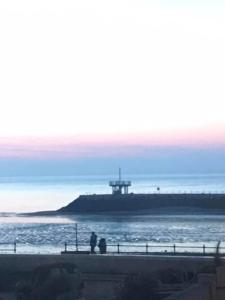 2019 04  HERNE BAY - Couleur d'un soir (2) - Catherine Francis-Yeats